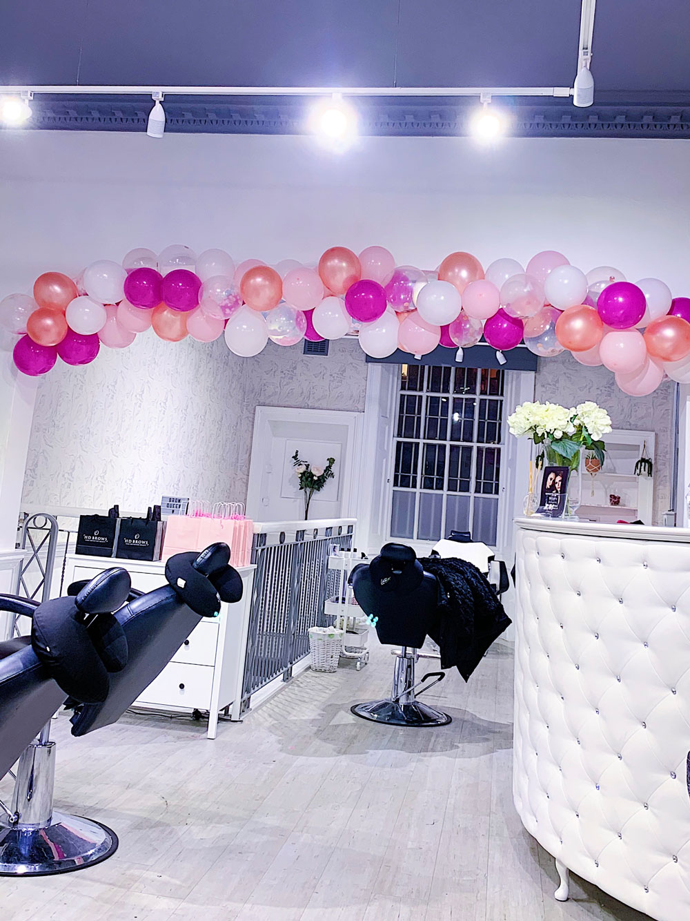 Salon with balloons